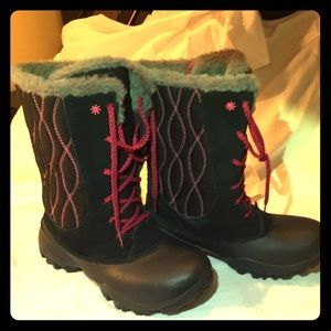 Columbia Boots - Girls -Size 4 - Like New